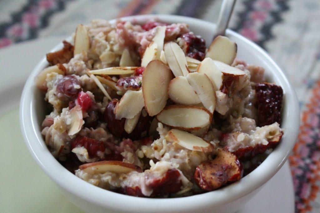 破壁机调理食谱大全之燕麦粥和紫薯豆浆