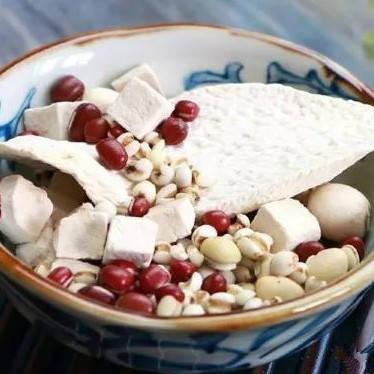 家用破壁机菜谱大全做法之红豆茯苓莲子浓汤