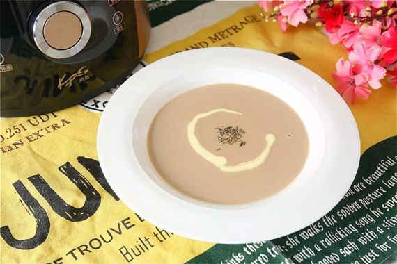 破壁机快速早餐食谱之奶油蘑菇汤